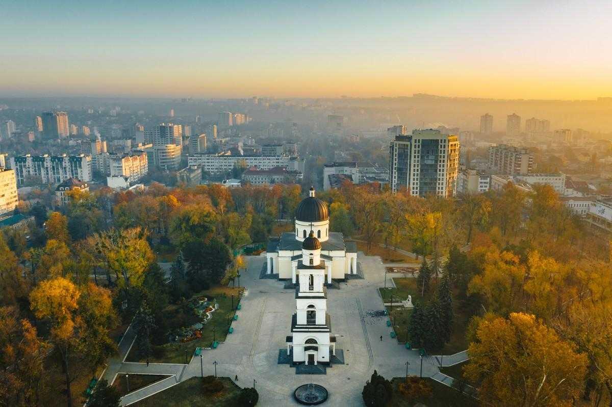 Кишинев-—-аренда-частного-самолета-воздушный-чартер